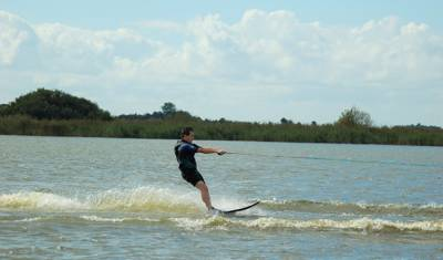 waterskieen of wakeboarden in friesland